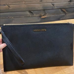 Black Michael kors wristlet purse brand new